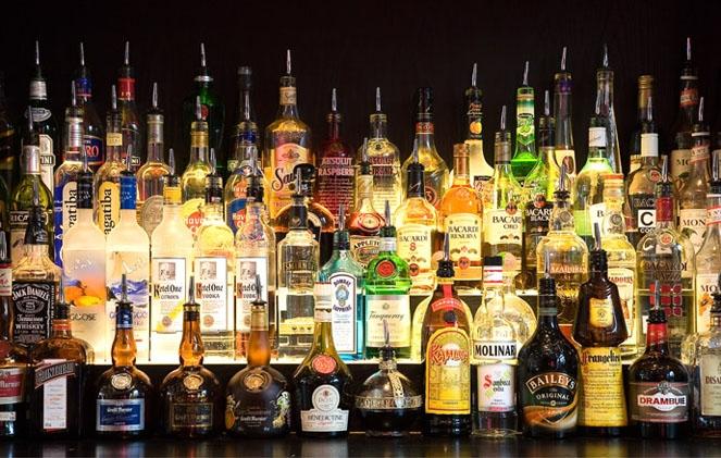Алкоголь бывает очень разным, но все эти напитки содержат спирт.
