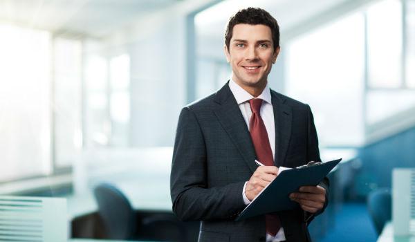 Как оформляют ОСАГО в страховой компании и через интернет