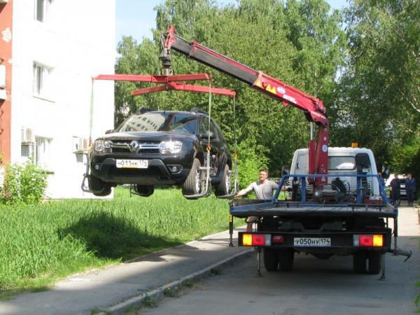 За парковку на газоне предусмотрен штраф