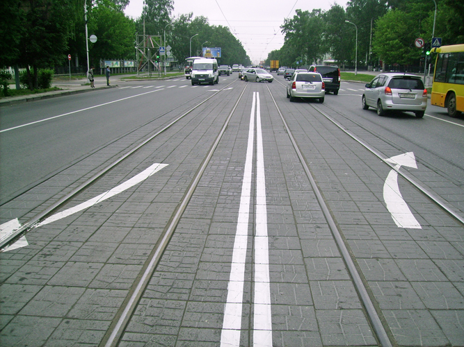 Запрещающий разворот на трамвайных путях