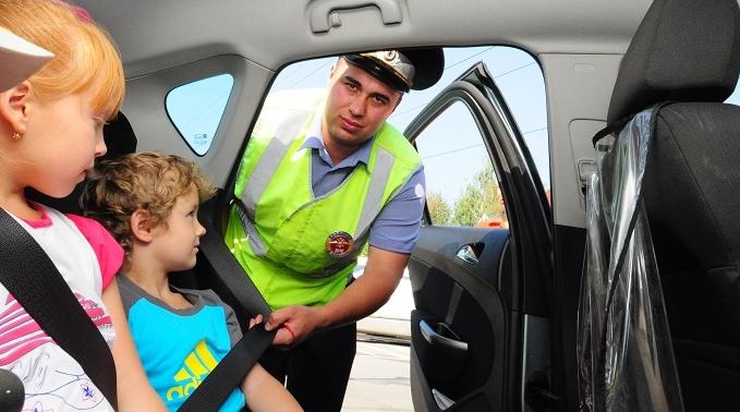 Как перевозить детей в машине