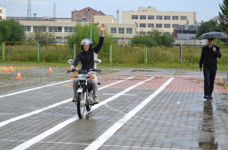 Проведение практического экзамена на вождение мотоцикла