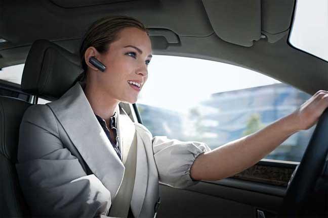 Устройство свободные руки - спасение от штрафов за рулем за мобильные разговоры.