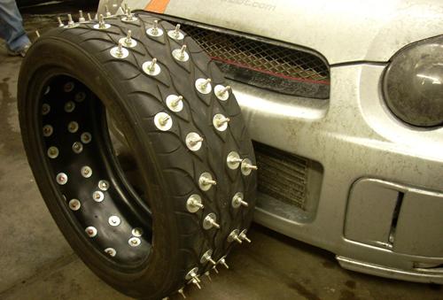 Описание особенностей использования шипованной резины на автомобилях