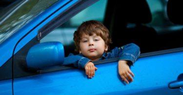 штраф за оставление ребенка одного в машине